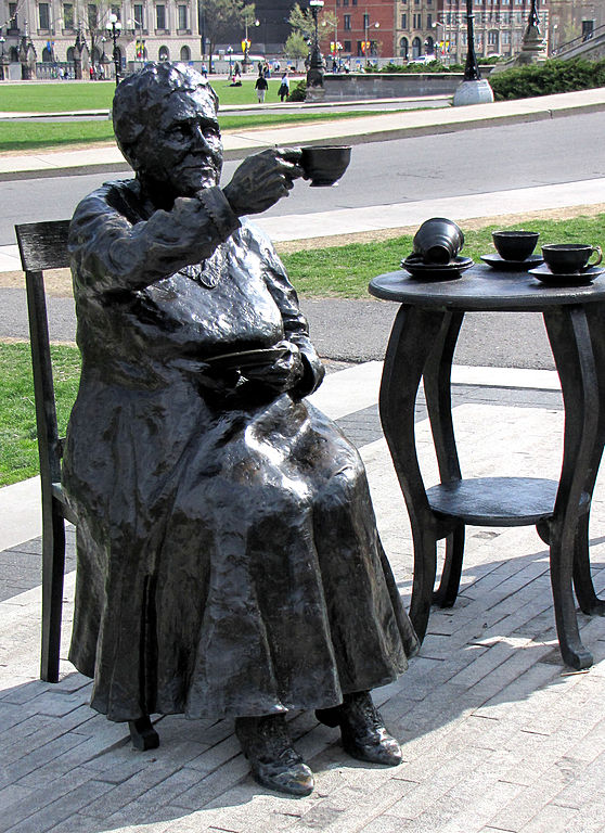 File H Edwards Statue Ottawa Jpg Wikimedia Commons