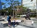 HK 尖東海濱平台 TST East Waterfront Podium 星光花園 Garden of Stars statue Anita Mui 梅艷芳 standing walking Dec 2016 Lnv2 02.jpg