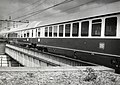 """HUA-169800-Afbeelding van de internationale trein """"Rheingold"""" bij het N.S.-station Amsterdam Amstel te Amsterdam.jpg"""