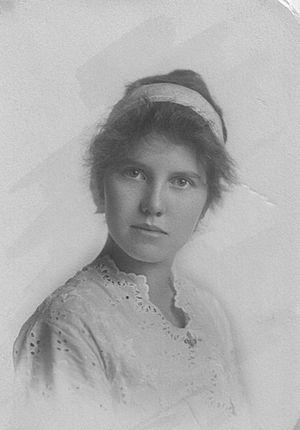 Helen M. Roberts - Helen Emery as a college freshman at USC, 1912