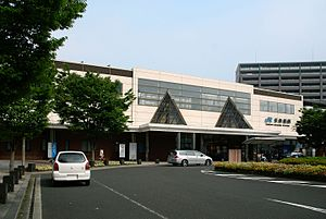 Higashi-Maizuru Station - Higashi-Maizuru Station building in July 2007