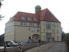 Hintere Gebäudeansicht Rathaus Döhlen 2012 (2).JPG