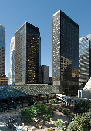 Dome Tower, Calgary - The DomeTower (right) with its twin the Home Oil Tower