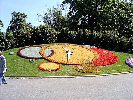 Horloge fleurie geneve