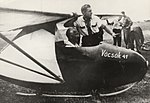 Horthy István a Vöcsök repülőgéppel.jpg