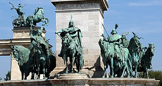 Seven chieftains of the Magyars - Image: Hosok Tere Budapest Arpad Front