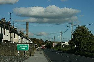 Clara, County Offaly - Clara on the R436