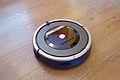 IRobot Roomba 870 (15860914940).jpg