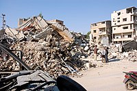 Israeli bombing in Baalbek.jpg