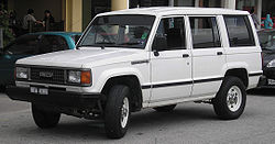 Isuzu Trooper (first generation, first facelift) (front), Serdang.jpg