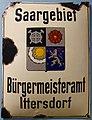 IttersdorfBürgermeisteramtsschildP1000414 (2).JPG