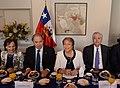 Jefa de Estado desayuna con empresarios en Estados Unidos (26153983255).jpg