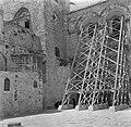 Jeruzalem, oude stad Steunconstructies tegen de muren van de H Grafkerk in ver, Bestanddeelnr 255-1664.jpg