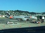 Jetstar A320 VH-XSJ at WLG (33007333931).jpg