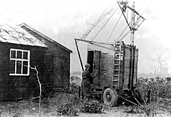 Jodrell bank Hut 1945.jpg