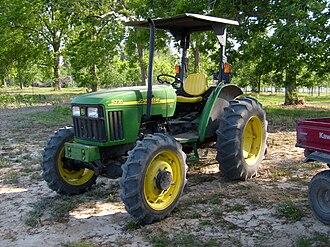 John Deere 5220 - A 2003 John Deere 5220 tractor