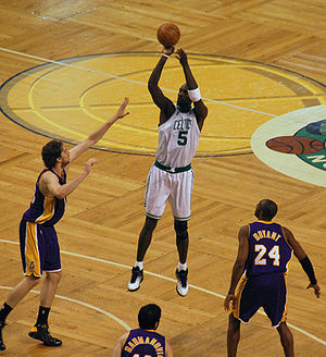 Boston Celtics forward Kevin Garnett shoots ov...