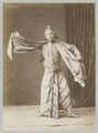 KITLV 12043 - Kassian Céphas - A dancer at Yogyakarta - Around 1900.tif