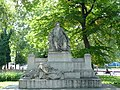 Karlsplatz Brahms Denkmal.JPG