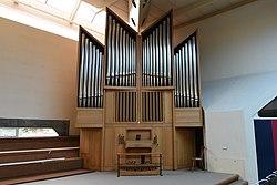 Kirche Christus der Auferstandene Graz Liebenau Interior 04.jpg