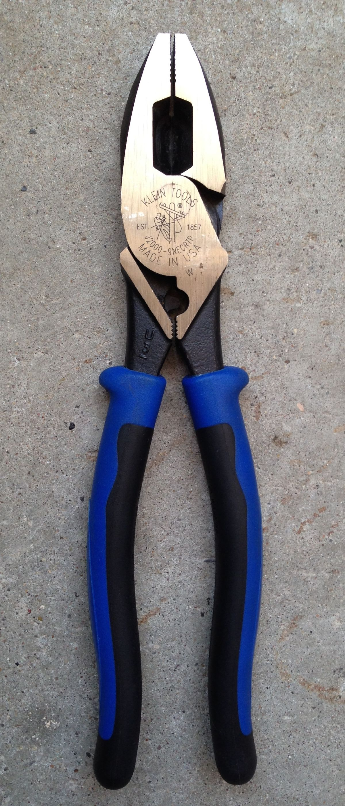 Linemans Pliers Wikipedia Ideal Circuit Breaker Finder The Multitool Of Electrical Work