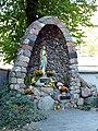 Kościół Matki Bożej z Lourdes w Warszawie (8).jpg