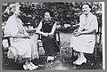 Koningin Wilhelmina, prinses Juliana en mevrouw Tsjang Kai-Sjek in Ottawa, Bestanddeelnr 012-0110.jpg