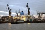 Kreuzfahrtschiff Thomson Dream der TUI Travel eindocken Blohm & Voss, Dock 17, 15-11-12.png