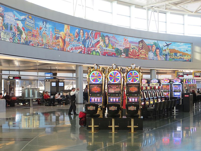 File:LAS slot machines 10-2013.jpg