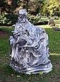 La Pieta, sculpture de Christian Gonzenbach, cimetière des Rois, Genève.jpg