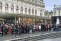 La foule devant le musée d'Orsay, Paris 2013.jpg