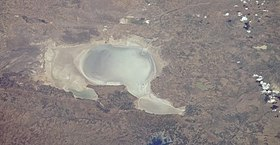 Lake Tuz (cropped).jpg