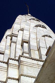 http://upload.wikimedia.org/wikipedia/commons/thumb/1/1a/Lakshmi3.jpg/220px-Lakshmi3.jpg