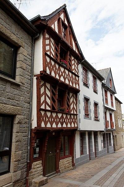 2 maisons - 6-8 rue Saint-Jean à Lamballe (Côte d'Armor)
