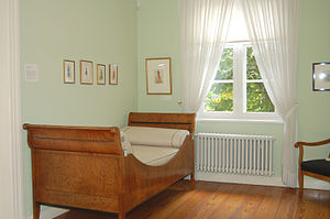 Sleigh bed - Sleigh bed (c. 1820/1830) in the Helgoland room, Museum Langes Tannen, Uetersen, Germany