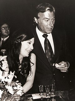 Lex Barker kun Karen Kondazian en 1973