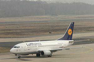 Lufthansa 737-500 D-ABIH.JPG