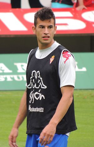 Luis Hernández Rodríguez - Hernández warming up for Sporting Gijón in 2014