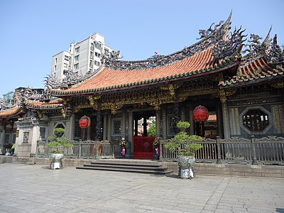 Lungshan Temple was extensively damaged by the raid and ensuing fire Lungshan temple taipei taiwan.jpg