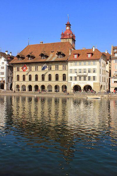 File:Luzern Rathaus 1.JPG