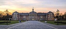 Münster, Schloss -- 2014 -- 6769-71 (crop)