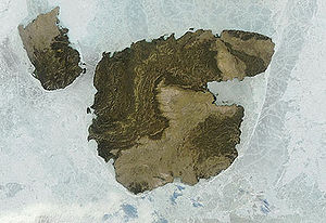 Brock Island - Terra MODIS satellite image of Brock Island (left) and Mackenzie King Island (center).