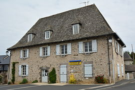 The town hall in Roannes-Saint-Mary