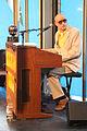 Mambo Kurt an seiner Orgel 2013.jpg