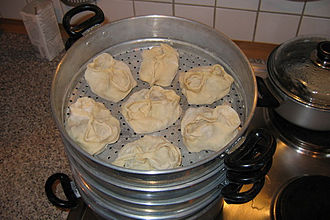 Dumpling - Kazakh/Uzbek/Tajik manti in a steamer