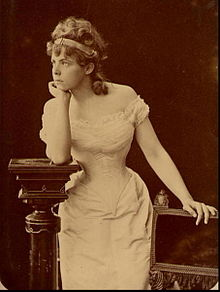 http://upload.wikimedia.org/wikipedia/commons/thumb/1/1a/Marie_Bashkirtseff_02.jpg/220px-Marie_Bashkirtseff_02.jpg