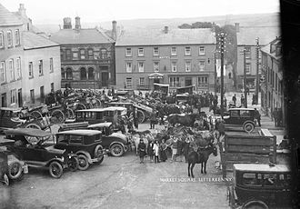 Letterkenny - Traffic in Market Square in 1928.