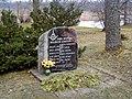 Mežotne, piemiņas akmens represētajiem 1999-11-13 - panoramio.jpg