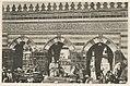 Mekka Bâb ʻAlī, Tor der heiligen Moschee an der Ostecke; durch das mittlere Portal wird das Zemzemhaus sichtbar. LCCN2002714730.jpg