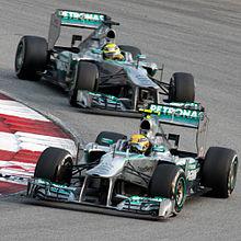 Photo de Hamilton et Rosberg en Malaisie en 2013